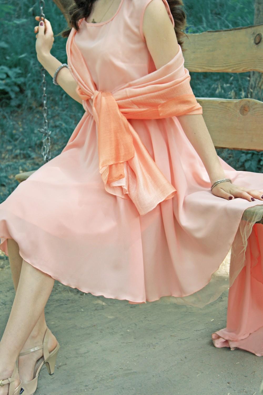 Нарядный палантин для вечернего платья