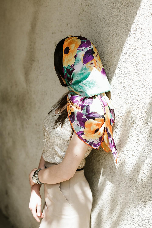 Атласный платок с цветочным принтом