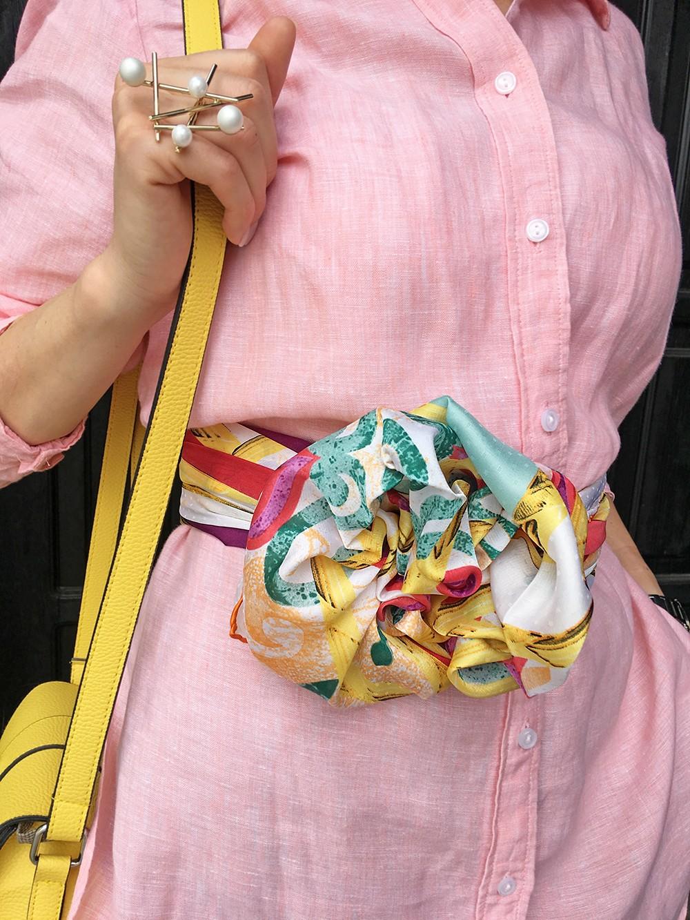 Большой платок в ярких сочных цветах