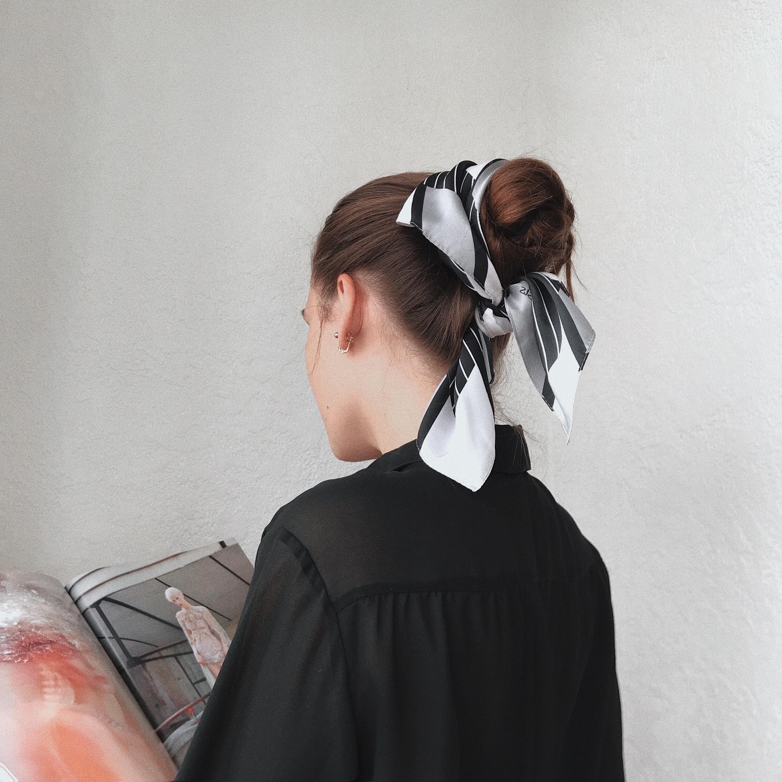 Маленький шейный платок