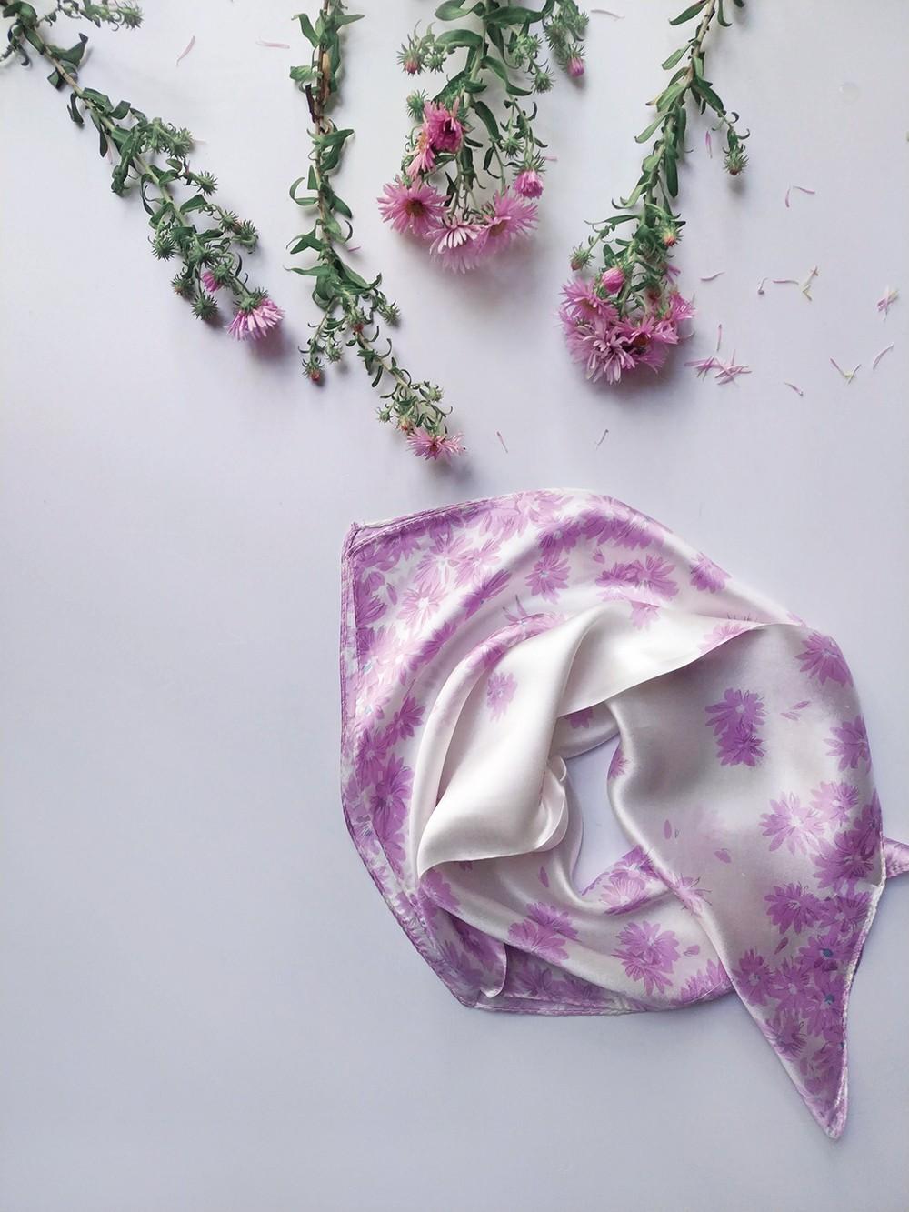 Шейный шелковый платочек