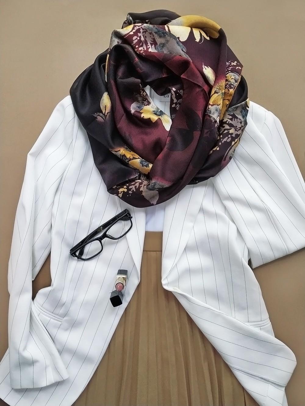 Атласный платок роскошной цветовой гаммы