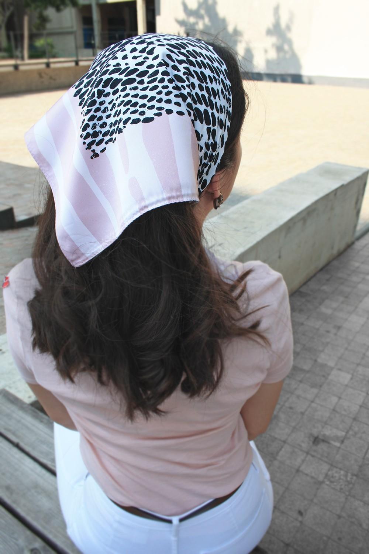 Шейный платок бледно розового цвета